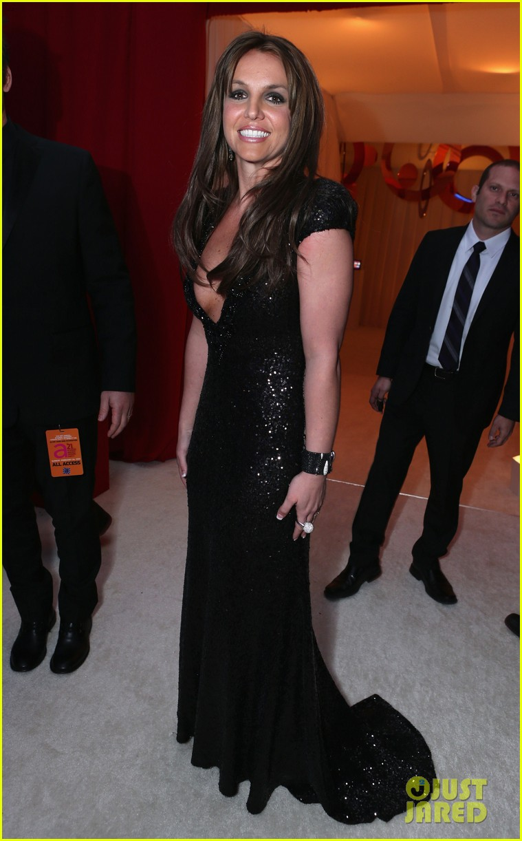 britney spears brown hair at elton john oscars party 2013 10