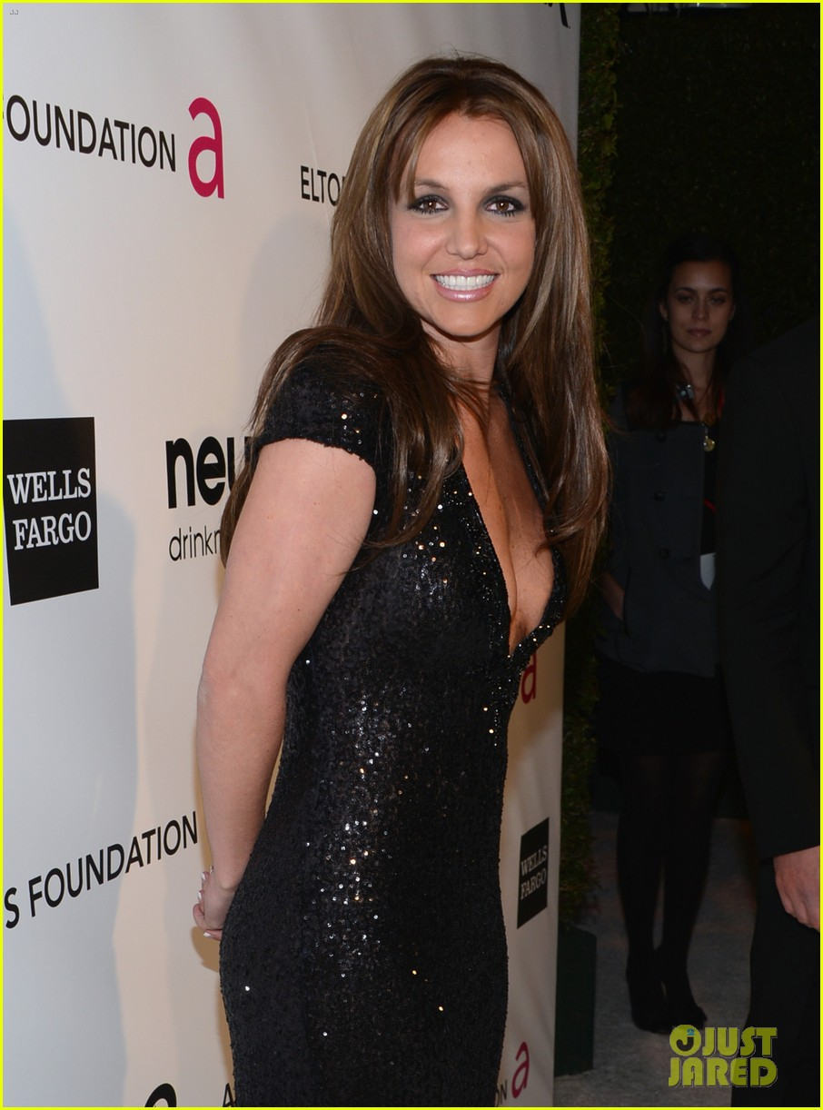 britney spears brown hair at elton john oscars party 2013 15