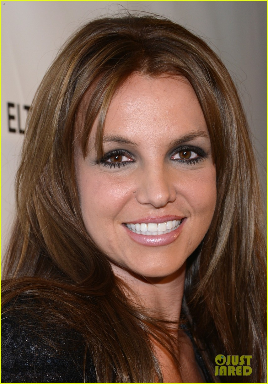 britney spears brown hair at elton john oscars party 2013 22