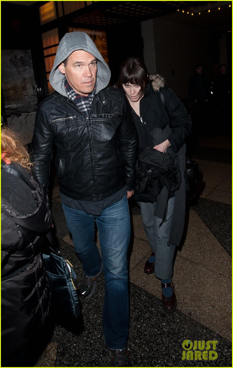 josh brolin post split broadway matinee with eden 05