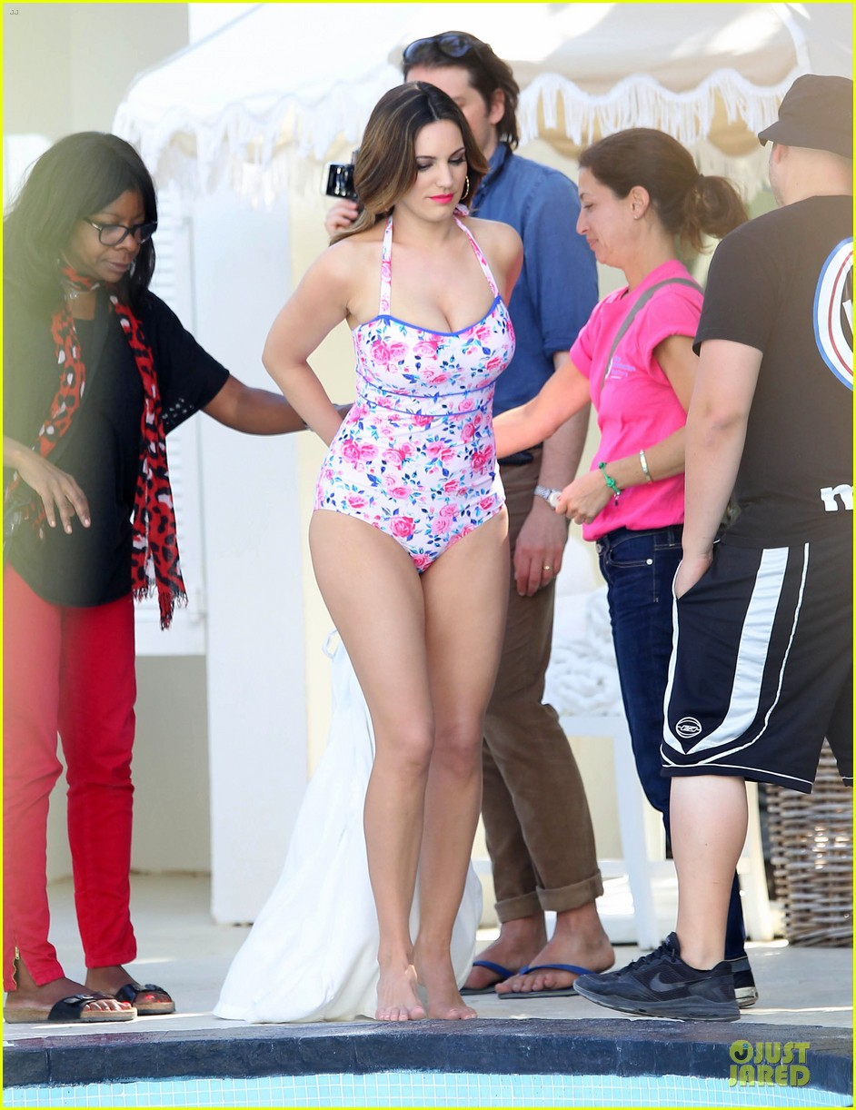 kelly brook post split bikini photo shoot 072805086