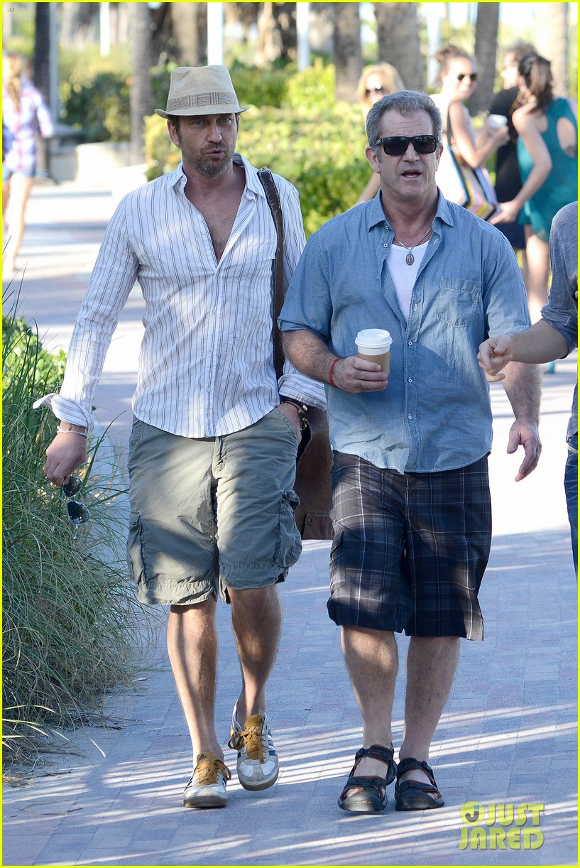 gerard butler mel gibson bromance continues 01
