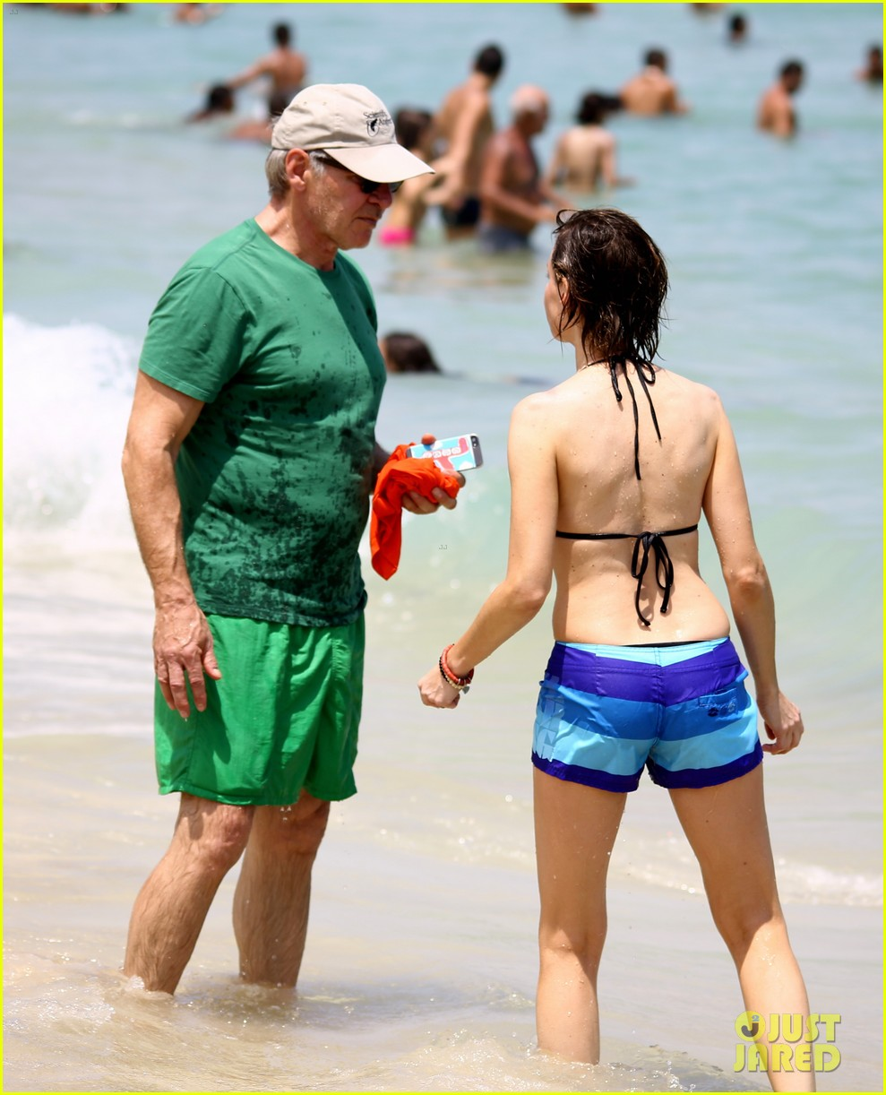 calista flockhart bikini beach day with harrison ford 05