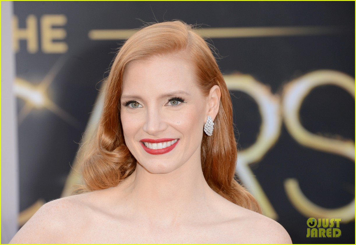jessica chastain oscars 2013 red carpet 06