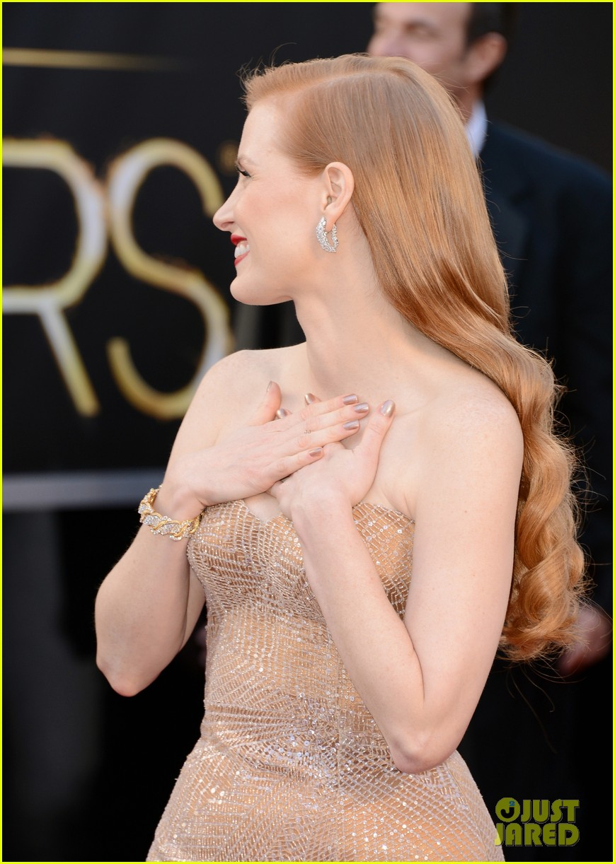 jessica chastain oscars 2013 red carpet 08