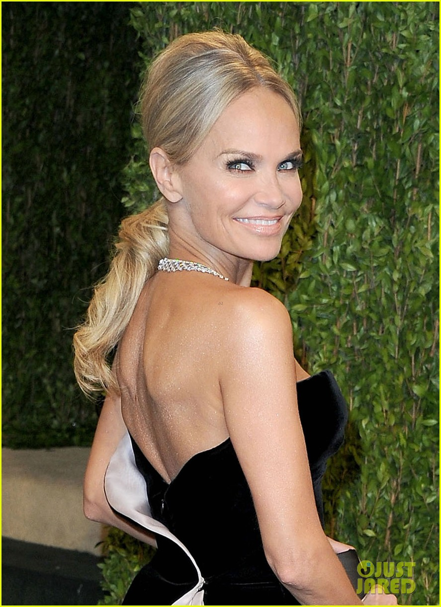 kristin chenoweth vanity fair oscars party 2013 02