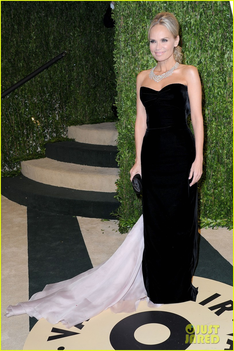 kristin chenoweth vanity fair oscars party 2013 03