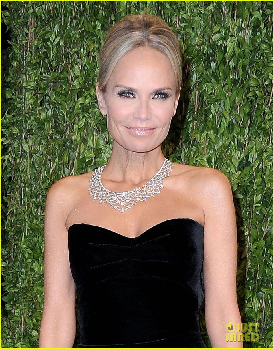 kristin chenoweth vanity fair oscars party 2013 04