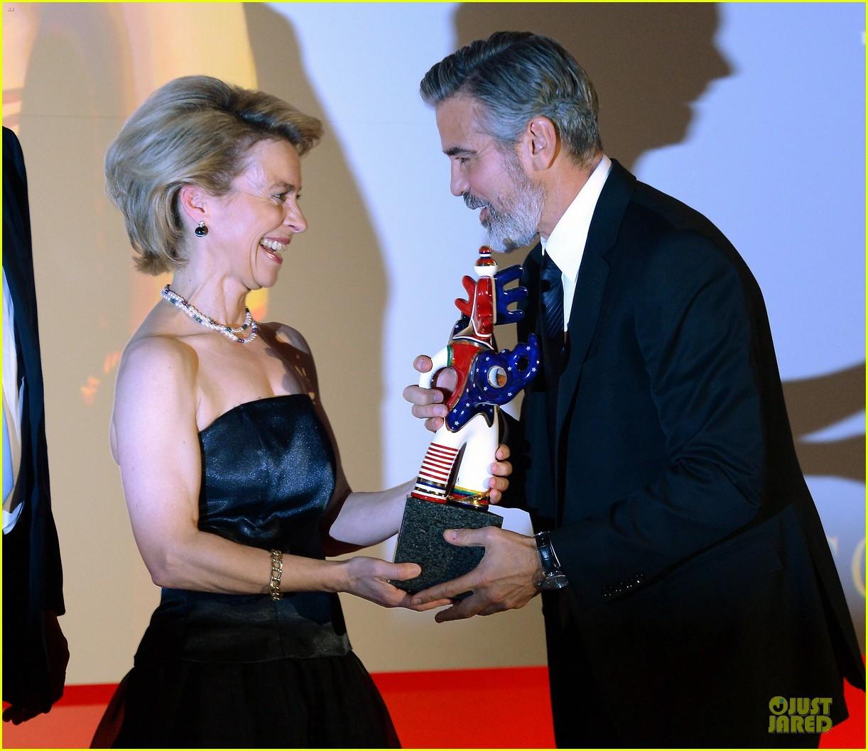 george clooney deutscher medienpreis award honoree 022821430
