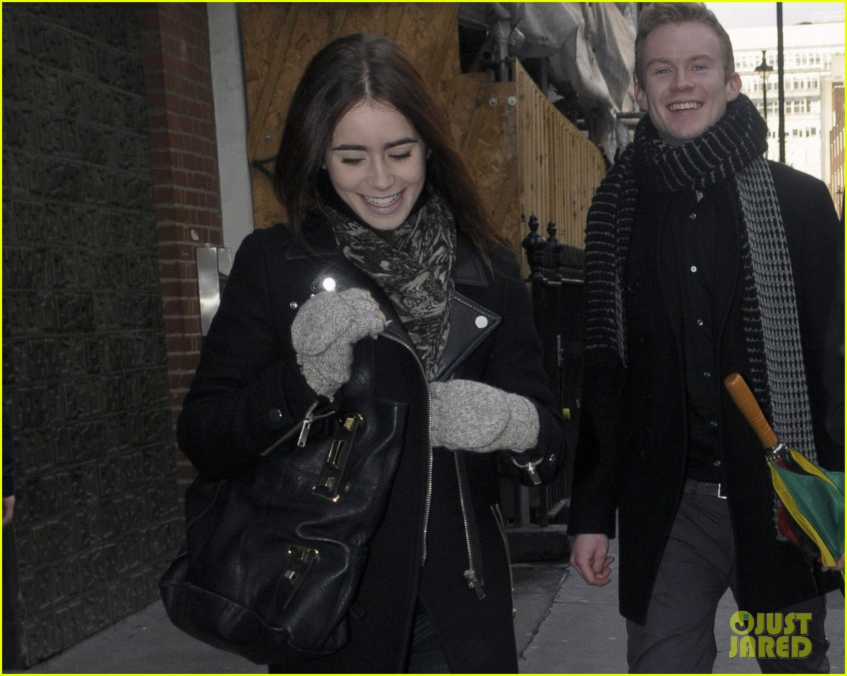 lily collins jamie campbell bower london lovebirds 03