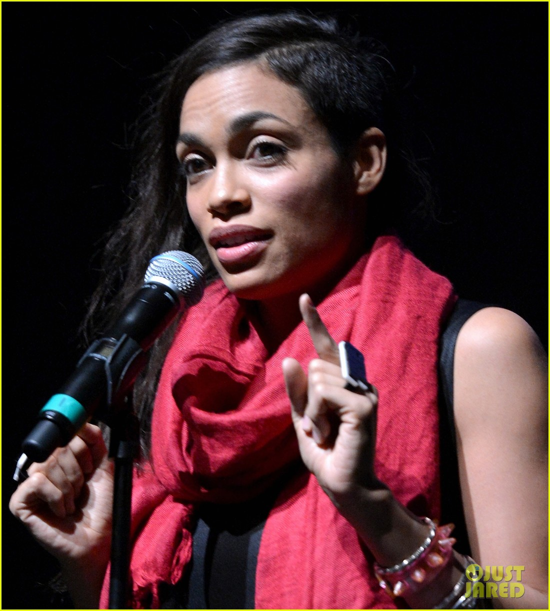 rosario dawson v days one billion rising rise nyc supporter 102812718