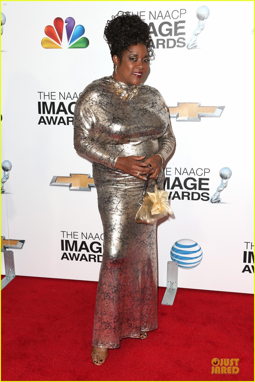 loretta devine best supporting actress in a drama winner 07