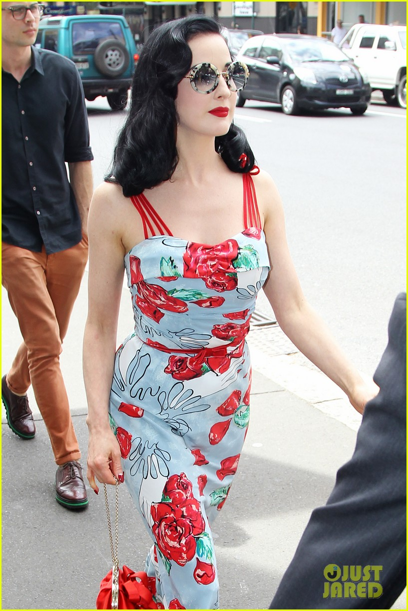 dita von teese catalina lunch with theo hutchcraft 02