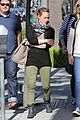 hilary duff mike comrie visiting family breakfast 14