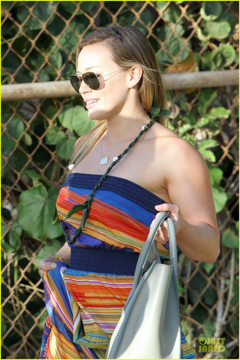 hilary duff hawaii sunset stroll 062820904