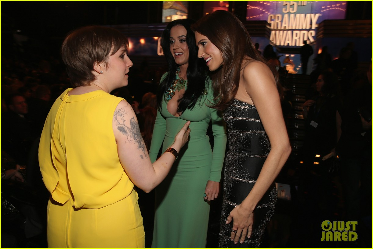 lena dunham jack antonoff grammys 2013 couple 02