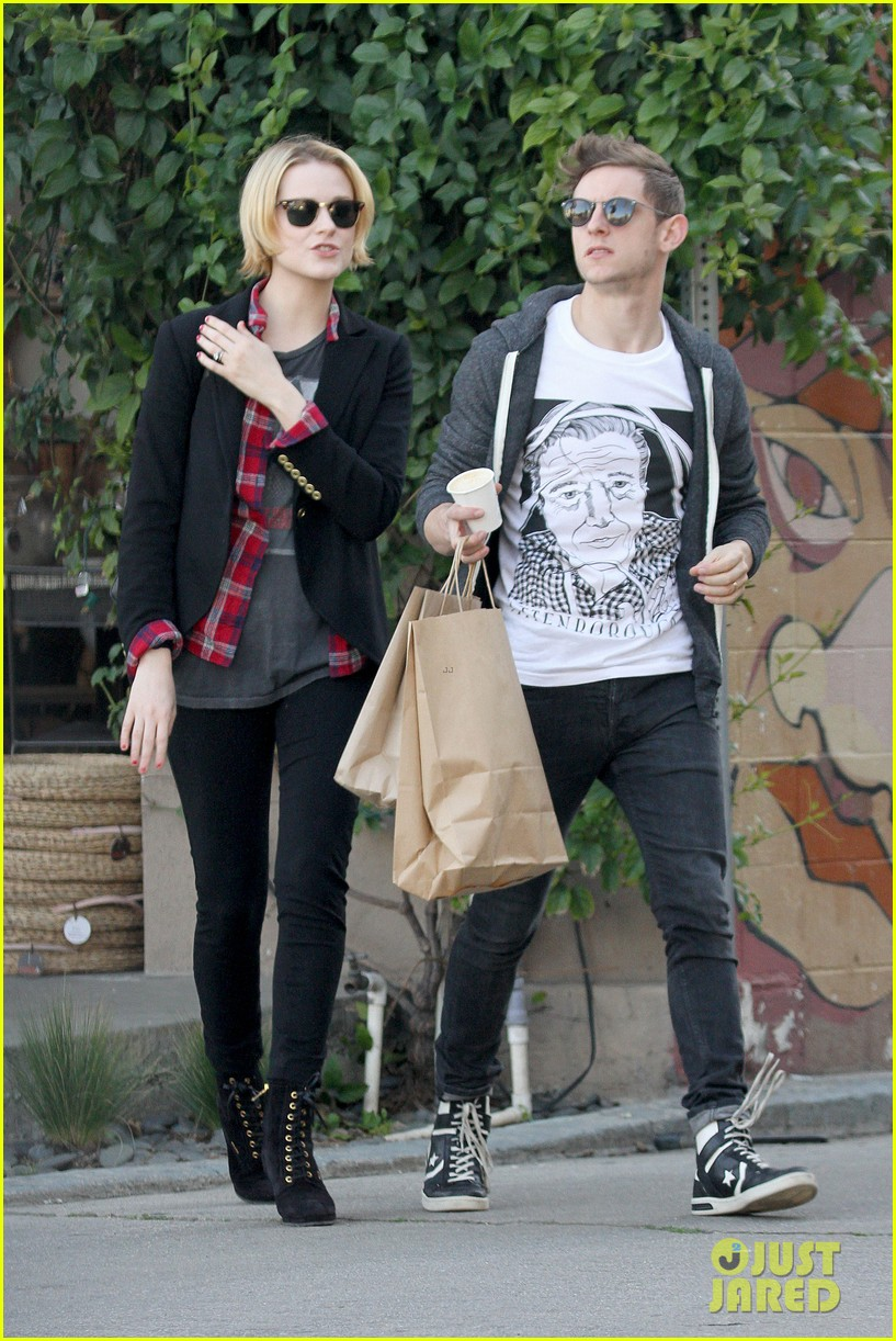 evan rachel wood jamie bell baby shopping 14