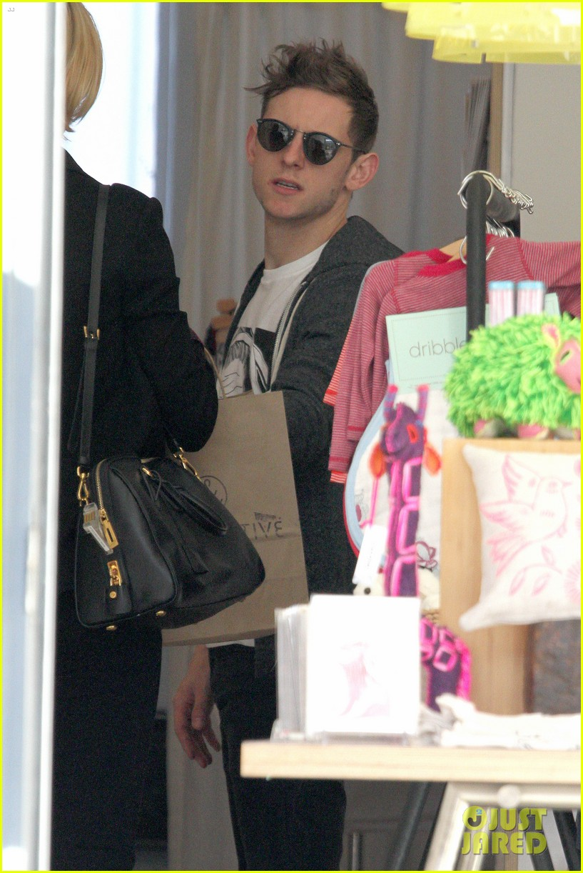evan rachel wood jamie bell baby shopping 21