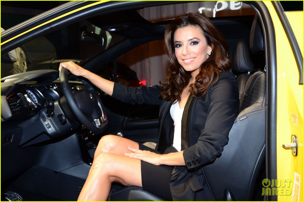 eva longoria citroen ds3 cabrio launch in berlin 02