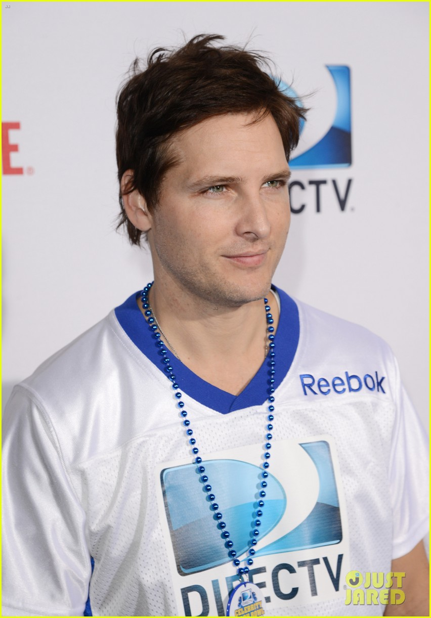 peter facinelli jaimie alexander super bowl kisses 08
