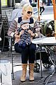 anna faris jack baby gap shopping duo 01