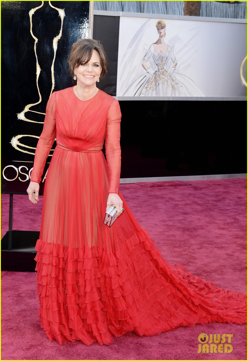 sally field oscars 2013 red carpet 01