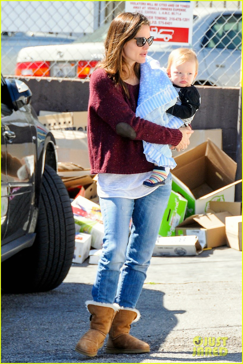 jennifer garner lunch date with samuel 05