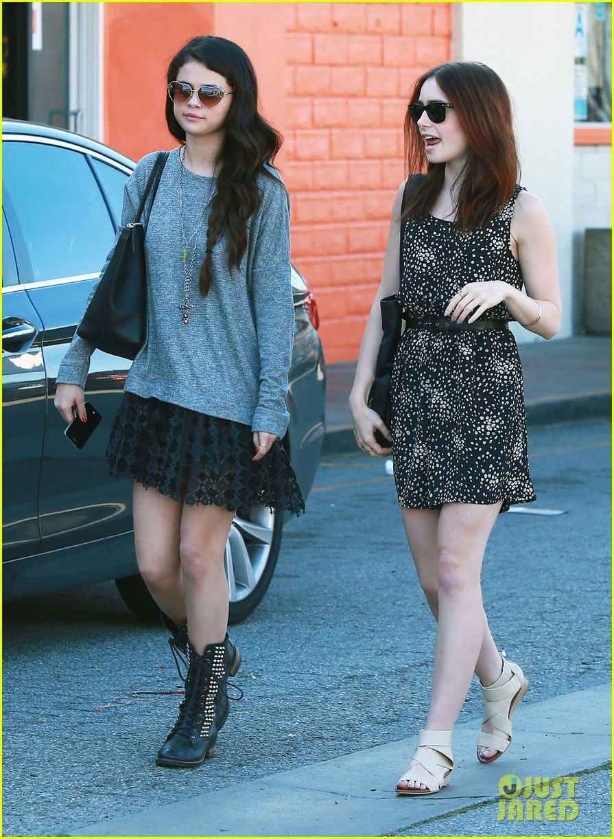 selena gomez sushi dan with lily collins 012811206