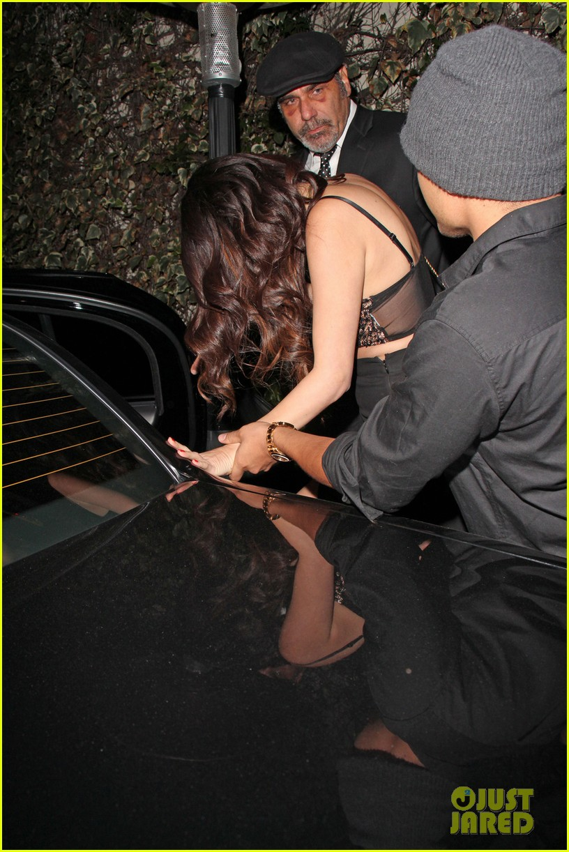 selena gomez post grammys party with alfredo flores 042809951