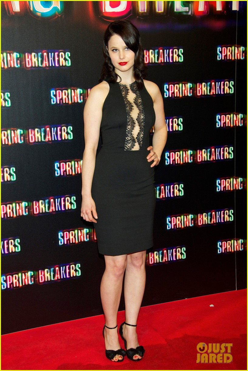 selena gomez rachel korine spring breakers madrid premiere 05