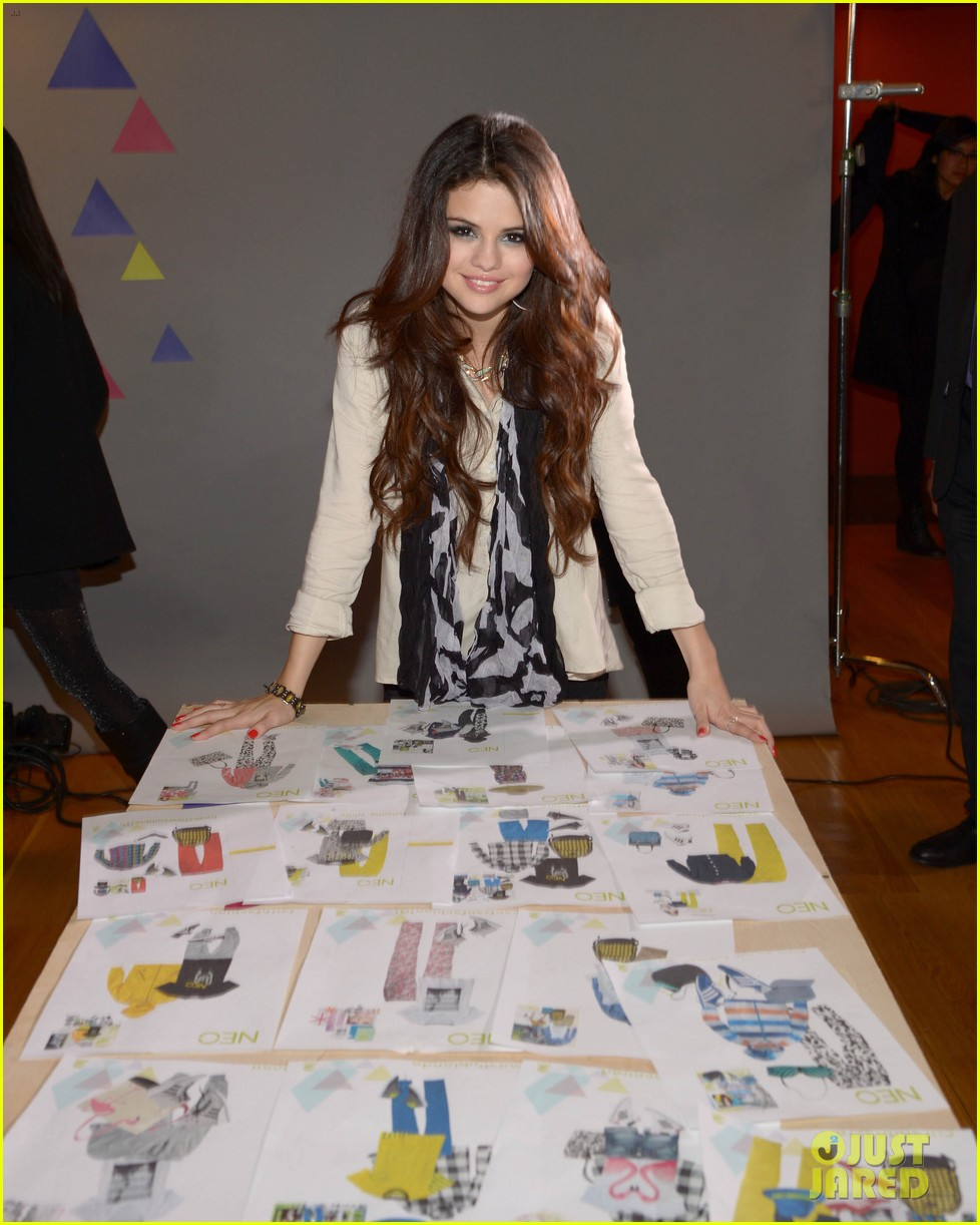 selena gomez adidas neo label fashion show in nyc 04
