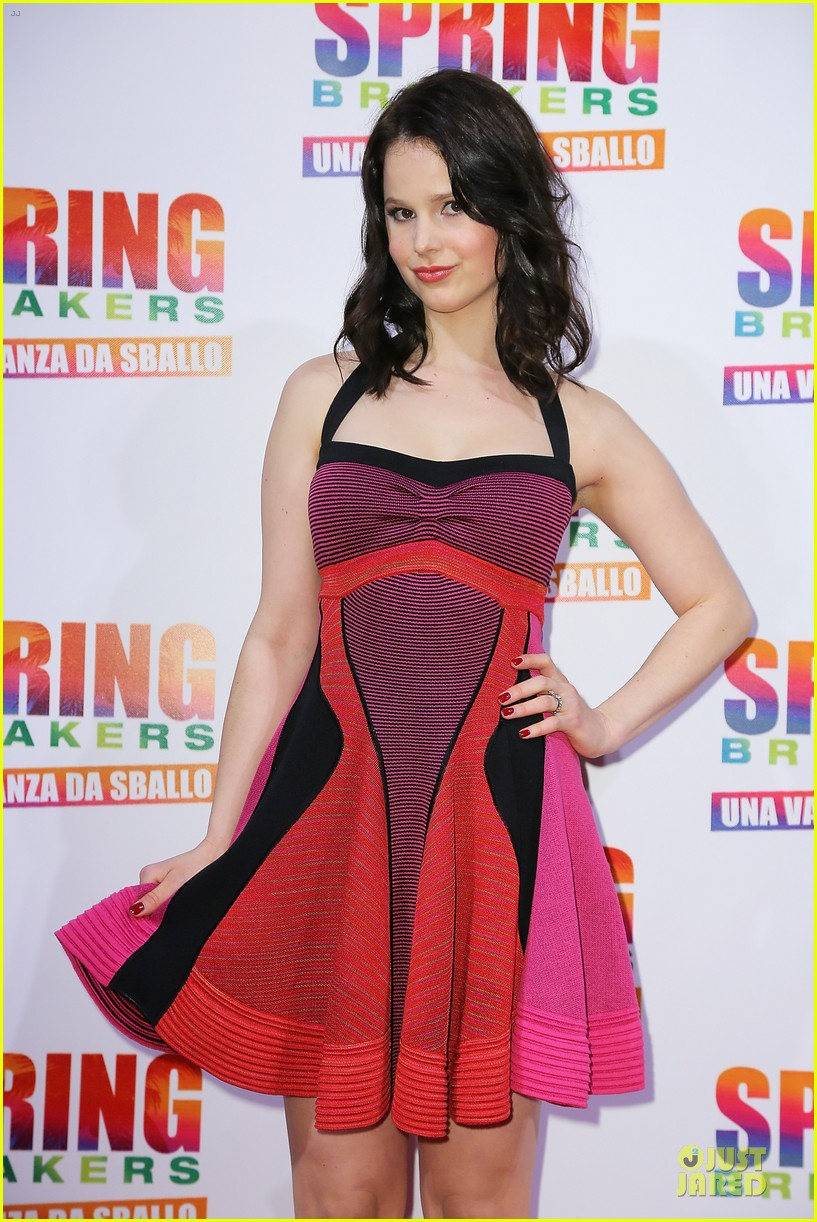 selena gomez rachel korine spring breakers rome premiere 04
