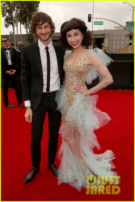 gotye grammys 2013 red carpet with kimbra 03