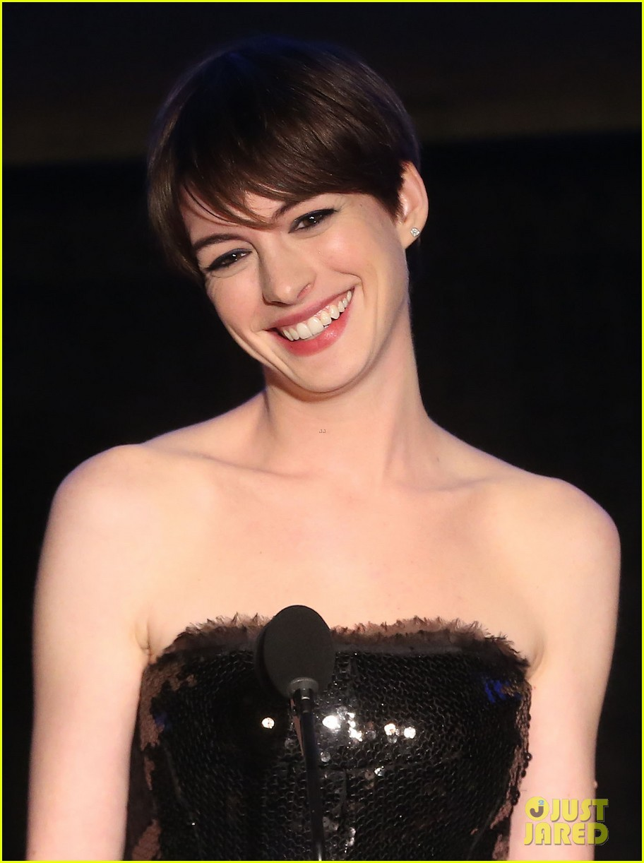 anne hathaway cinema audio society awards 2013 022813769