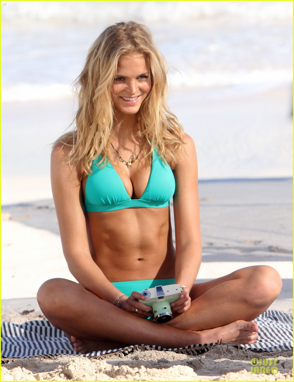 erin heatherton bikini shoot for victoria secret 27