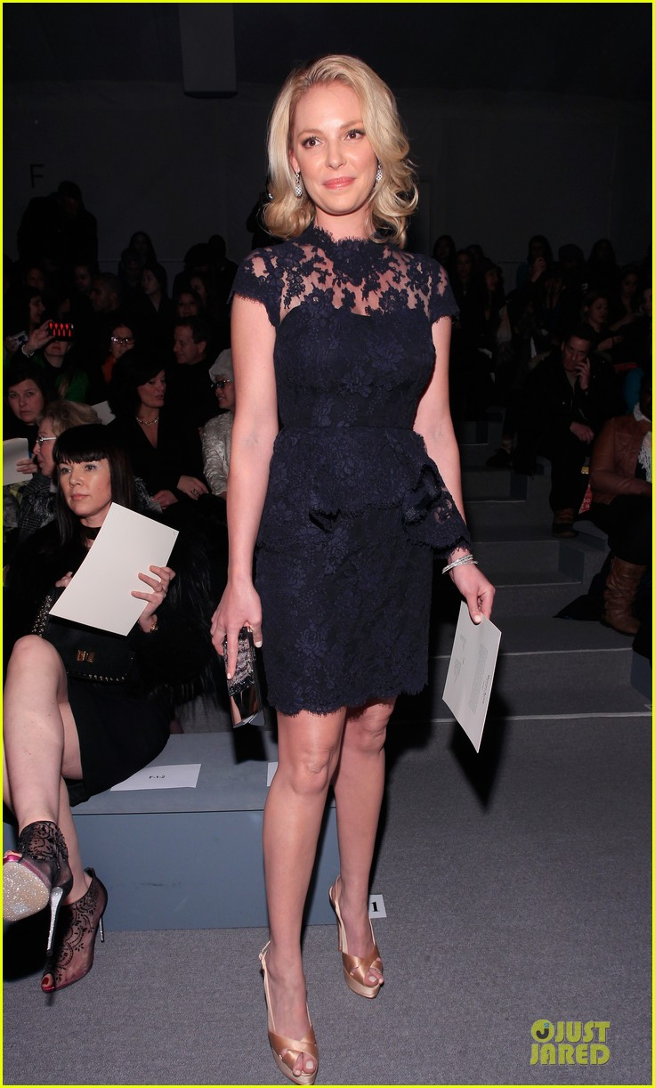 katherine heigl  reem acra fashion show 09
