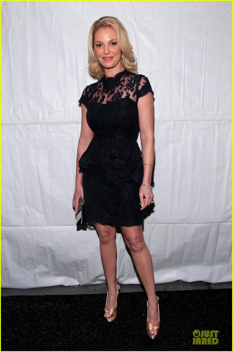katherine heigl  reem acra fashion show 10