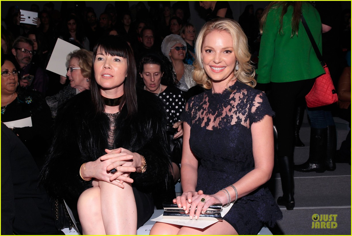 katherine heigl  reem acra fashion show 122810514