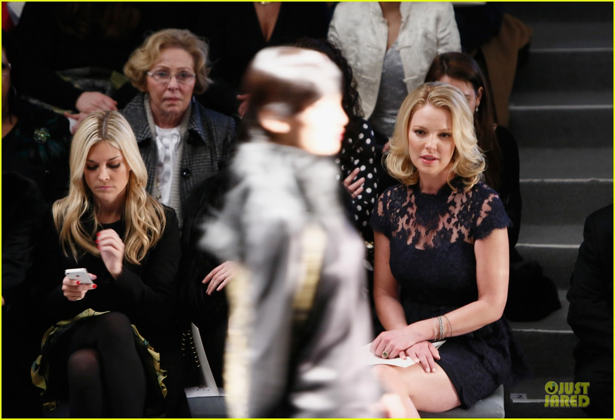 katherine heigl  reem acra fashion show 17