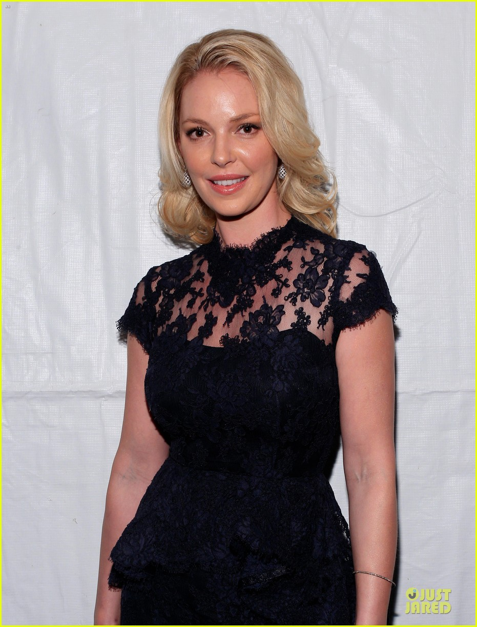 katherine heigl  reem acra fashion show 212810523
