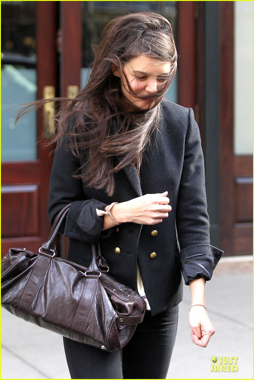 katie holmes skips new york fashion week this month 13