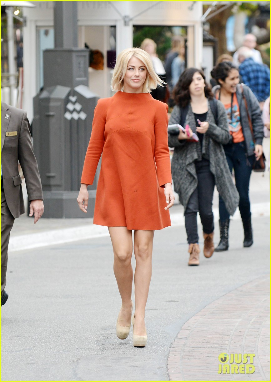 julianne hough sole society event extra appearance 032807070