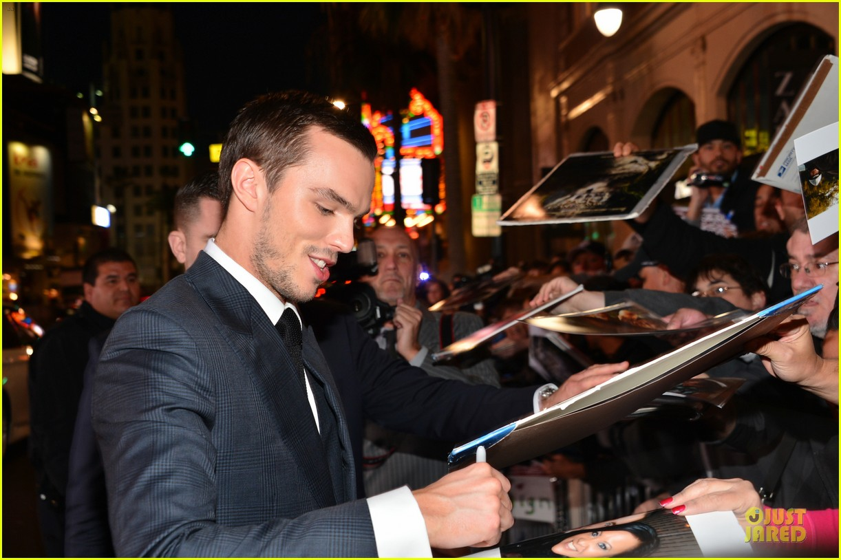 nicholas hoult jack the giant slayer hollywood premiere 14