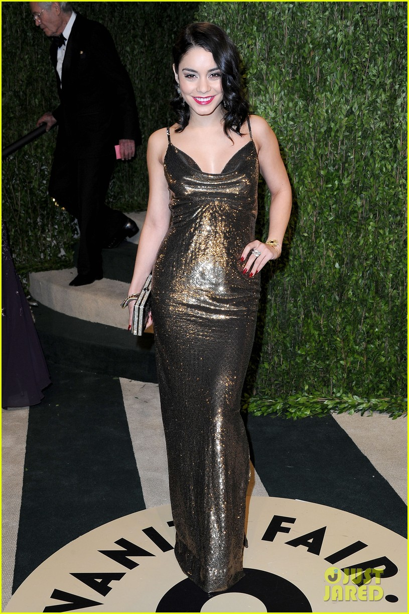 vanessa hudgens selena gomez vanity fair party 05