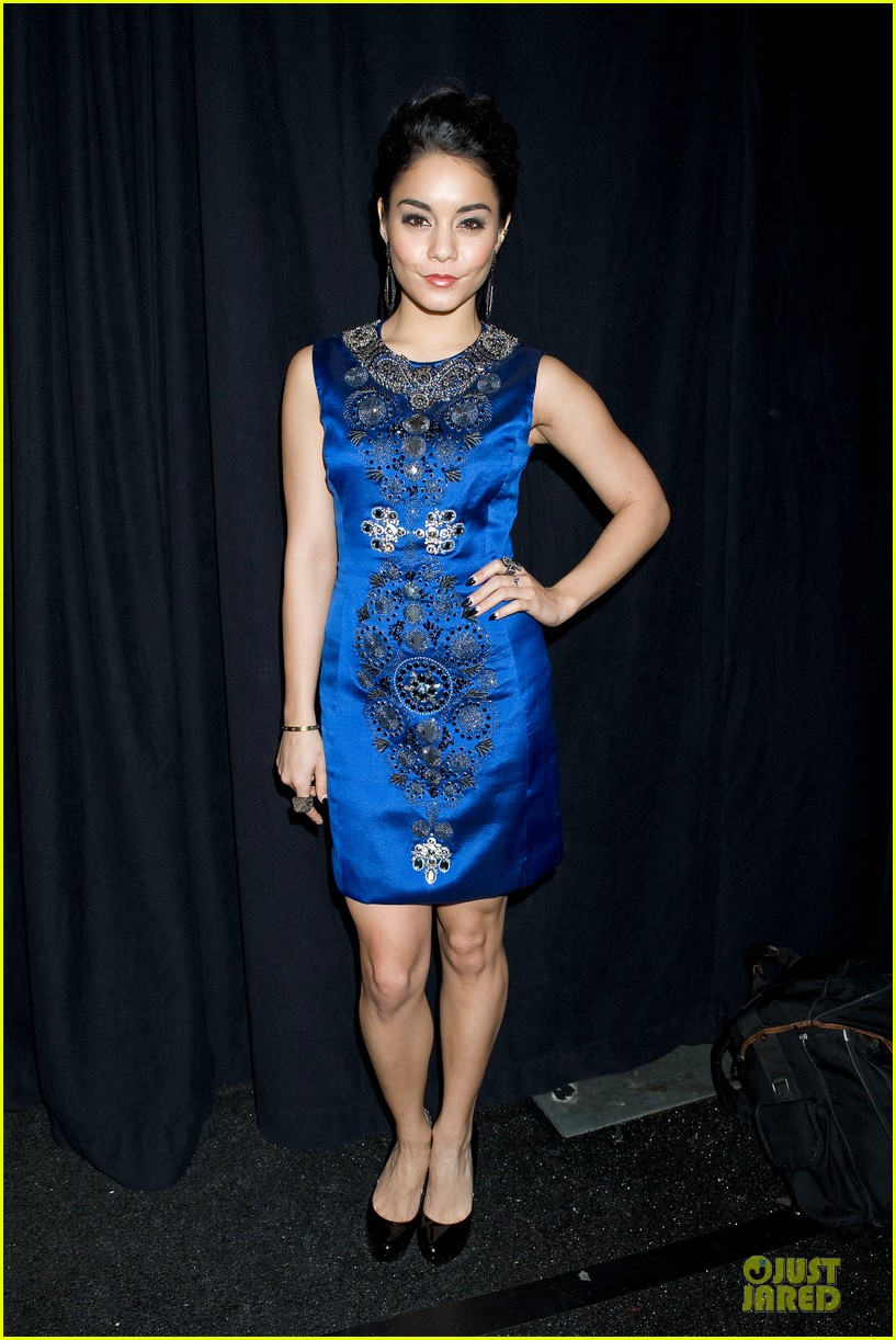vanessa hudgens matt damon naeem khan fashion show 092810813