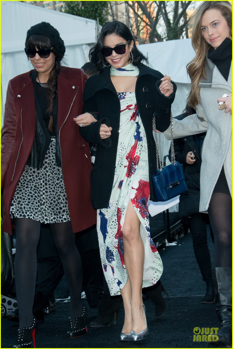 vanessa hudgens dvf fashion show 02