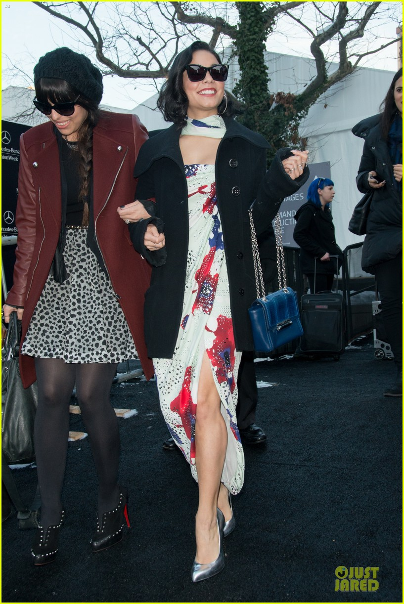 vanessa hudgens dvf fashion show 072809861