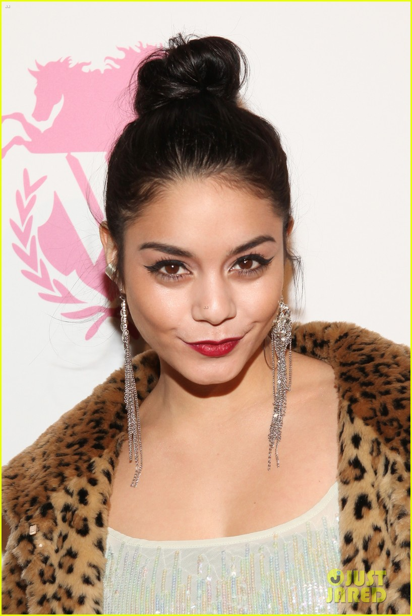 vanessa hudgens wildfox presentation with austin butler 08