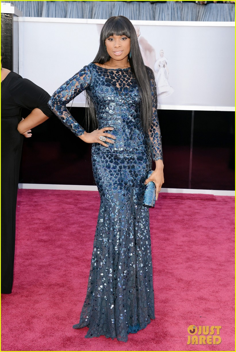 jennifer hudson oscars 2013 red carpet 01
