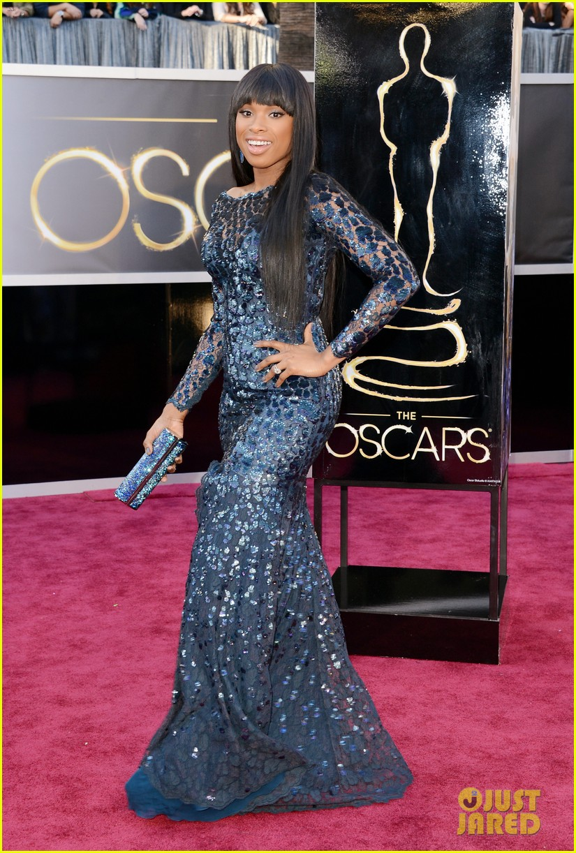 jennifer hudson oscars 2013 red carpet 03
